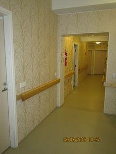 Nikulan toinen käytävä, jonka varrella neljä asukashuonetta, joista yksi on  kahden hengen huone. Myös pariskunnille mahdollisuus asua Nikulassa.