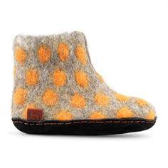 Lækker grå filtstøvle med orange prikker fra Green Comfort
