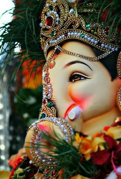Make this Ganesha Chathurthi 2020 special with rituals and ceremonies. Lord Ganesha is a powerful god that removes Hurdles, grants Wealth, Knowledge & Wisdom. Ganesh Pic, Shri Ganesh Images, Shiva Parvati Images, Jai Ganesh, Ganesh Lord, Ganesh Idol, Ganesha Pictures, Shree Ganesh, Lord Shiva