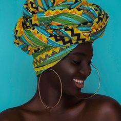 ➖➖➖➖➖➖➖➖➖ #headwrap #turban #prints #africanprint #queen #melanin #beauty #kente #africanfashion #fashion #accessories #ghana #apif #apifrocks