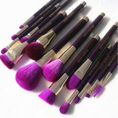 10 Best beauty tools for beginners and makeup artists and more. #makeup brushes set #pro makeup brushes #brushes kit #eyeshadow brushes #2017 best makeup sets @ super makeup addict