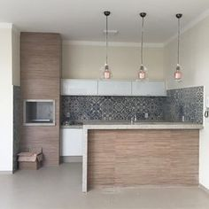 Quando o resultado supera nossas expectativas! Kitchen Interior, Kitchen Decor, Kitchen Design, Hotel Floor Plan, Home Kitchens, Kitchen Remodel, House Plans, Sweet Home, New Homes
