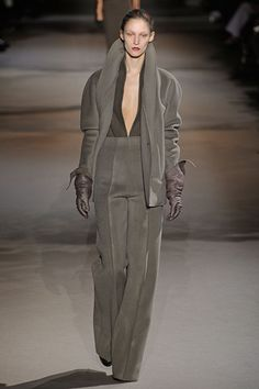Plush and Crispy. Haider Ackermann. Paris. Autumn/Winter RTW 2012. Follow pins and tweets @Giselle Ugarte