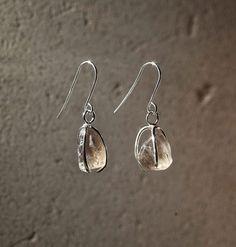 Karu One – Light Smokey Quartz Earrings Smokey Quartz, Natural Forms, One Light, Metal Art, Jewelry Collection, Drop Earrings, Gemstones, Jewellery, Silver