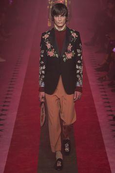 Gucci коллекция | Коллекции весна-лето 2017 | Милан | VOGUE