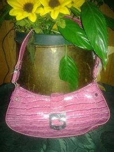 Shinny pink guess leather handbag lovely purse mint condition free shipping for$30.00