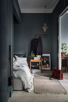 "Move Over, Minimalism: The ""New Victorian"" Look is On the Rise - ""Victorian Modern"" Style: The New Trend in Decorating home decor apartment therapy Scandinavian Bedroom, Scandinavian Interior Design, Home Interior, Scandinavian Apartment, Interior Plants, Contemporary Interior, Interior Ideas, Bedroom Green, Home Bedroom"