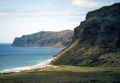 The cliffs of Ni'ihau, Hawai'i