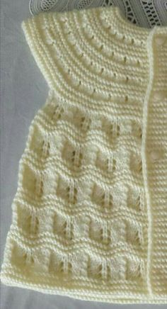 "Diy Crafts - Hızlı ve Kolay Resim Paylaşımı ""This post was discovered by Sev"", ""Top down wavy"", ""distribution of stitches for b"" Baby Knitting Patterns, Baby Sweater Knitting Pattern, Baby Patterns, Baby Girl Cardigans, Baby Cardigan, Baby Sweaters, Diy Crafts Knitting, Easy Knitting, Knitted Baby Clothes"