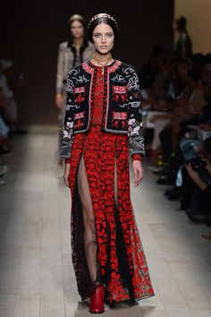 Valentino Spring 2014 Ready-to-Wear Collection