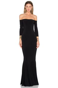 Norma Kamali Off the Shoulder Fishtail Gown en Noir | REVOLVE