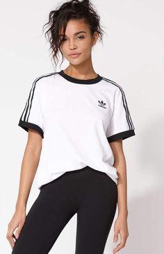 Adidas Superstars, Sporty outfit, pink baseball tee Lemon