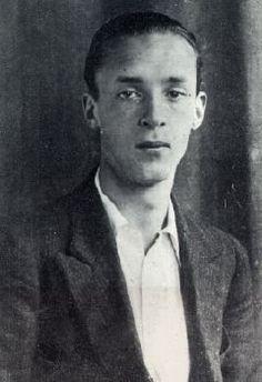 """Vladimir Nabokov (1899-1977)... Lolita, Ada o el ardor... """"La vida es una gran sorpresa. No veo por qué la muerte no podría ser una mayor."""""""