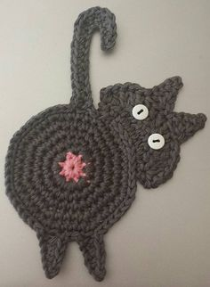 Ravelry: Peeking Cat Butt Coaster pattern by Upper Crust Crochet and like OMG! get some yourself some pawtastic adorable cat apparel! Chat Crochet, Mode Crochet, Crochet Amigurumi, Crochet Motif, Crochet Stitches, Ravelry Crochet, Ravelry Free, Crochet Coaster Pattern, Crochet Toys