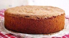 Môžete ju naplniť len karamelovým salkom, poliať čokoládou a podľa… Slovak Recipes, Czech Recipes, Torte Cake, Pie Cake, Baking Recipes, Cake Recipes, Eastern European Recipes, Honey Cake, Just Cakes