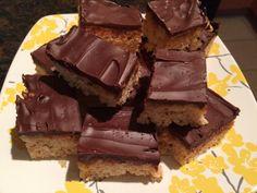 Secret Ingredient Chocolate Caramel Krispie Treats --> The perfect #treat for your next #Holiday party! SO. Good. #baking #dessert #ricekrispies #pretzel #seasalt #caramel