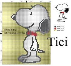 Schema punto croce Snoopy Counted Cross Stitch Patterns, Cross Stitch Designs, Baby Elefante, Christmas Perler Beads, Baby Snoopy, Minnie Baby, Loom Bracelet Patterns, Iron Beads, Simple Cross Stitch