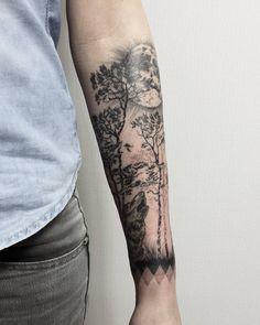 "Polubienia: 120, komentarze: 2 – HIPNER (@hipner.magdalena) na Instagramie: ""1 #las #wilk #księżyc #drzewa #tatuaż #trees #forest #tattoo #black #moon #wolf #blackwork #dotwork…"""