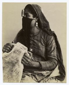 Egyptian woman photographed in Cairo. ca. 1860 - 1920s. | Photographer G. Lékégian & Cie.