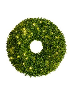 With a clean and classic style, Balsam Hill's Outdoor LED Boxwood Wreath will add an air of sophistication to your doorstep.