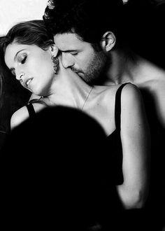 Io e te siamo il semplice pulsare d'una umana passione, io dentro te, tu dentro me semplicemente corpi, menti ed anime fuse, non abbiamo un mondo nostro, nè di giorno, nè di notte ma siamo immortali in questo nostro sogno fatto di tutto,  fatto di NOI.