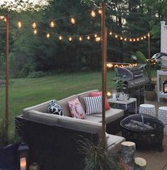 Spruce up your backyard on a budget with these cheap and easy DIY backyard ideas. From patio ideas to landscaping ideas, there are plenty of DIY projects to choose from that are guaranteed to work for big and small yards. Budget Patio, Patio Diy, Rustic Patio, Fire Pit Backyard, Backyard Patio, Backyard Ideas, Patio Ideas, Landscaping Ideas, Large Backyard