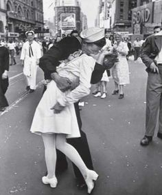 sailor nurse vintage black and white black and white photography love cute pictures cute famous pictures couples