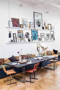 Eclectisch interieur fotolijsten