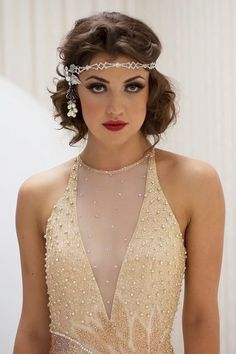 The Great Gatsby Makeup, Unveiled! The Great Gatsby makeup means dark lips, good and well definied eyes with gatsby inspired smokey eye makeup and curl hairstyles. The great gatsby lip look is achieved by wearing bold lip colors. Great Gatsby Makeup, Great Gatsby Party, 1920s Makeup Gatsby, Roaring 20s Makeup, Flapper Makeup, Roaring 20s Hair, Roaring Twenties, 1920 Makeup, 1920s Inspired Makeup