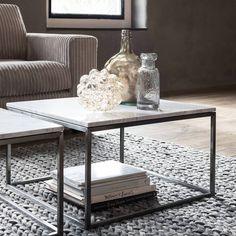 Mix koele materialen zoals staal en marmer met warme materialen voor een sfeervol resultaat. #detroubadour #interiør #interior4all #styling #home #myhome #interieur #living #tagsforlikes #like4like #follow4follow #Amstelveen #stijlvolwonen #vtwonen #woonkamer #inspiration