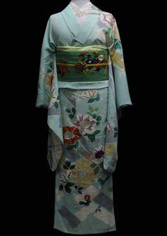 田中翼のアンティーク着物~Wing~ Yukata, Japanese Kimono, Japanese Art, Japanese Outfits, Traditional Dresses, Kimono Top, Wings, Cute, Beautiful