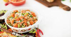 Découvrez cette recette de Ceviche de truite au chili pour 4 personnes, vous adorerez! Ceviche, Ratatouille, Pasta Salad, Chili, Cooking, Ethnic Recipes, Food, Tv, Kitchens