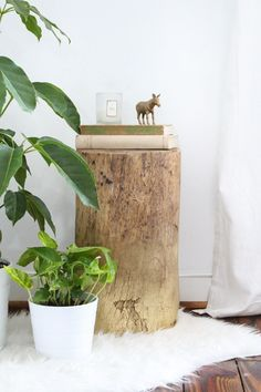 DIY Ombre Stump Side Tables - Sugar & Cloth - Houston Blogger - Home Decor