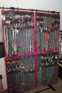 Clothes Rack Paparazzi Jewelry Display instructions. Love how portable it is.