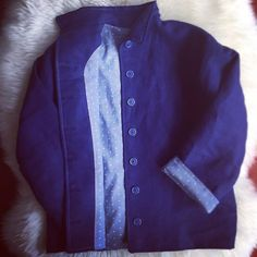 One of two custom Jude jackets for brothers. These soft linen jackets are hand stitched at the facing and lining. Zoom in and spot the detail. These are the treasured fine details you only get with custom fashion. #slowfashion #custommade #sewlaurellee #handmade #handmadeclothes #blue #linen #handstitched #handmadeau #handmadeaustralia #whomademyclothes #shwinpatterns #judejacket #boysfashion