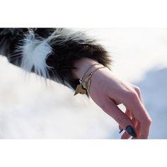 Zastanawiałaś się ile bransoletek da się założyć na jedną rękę?  Dziś proponujemy dwie od @altradea z kolekcji #LOVEME @mateuszsuda. Złoto + srebro, to doskonałe połączenie.  jewellery #jewel #design #bracelet #frozen #snow #winter #mateuszsuda #fashion #moda  #polishdesigner #nails #heart #loveme #fakefur #fur @hm #blackring #love #lightning #wintertime #blogger #shape Instagram Posts, Accessories, Fashion, Moda, Fashion Styles, Fashion Illustrations, Jewelry Accessories
