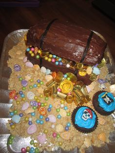 Rachel's Pirate Treasure Chest Cake Rice Krispy top made it stay open, so easy to make!