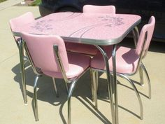 Chrome dinette in pink ~ love the pattern on the tabletop