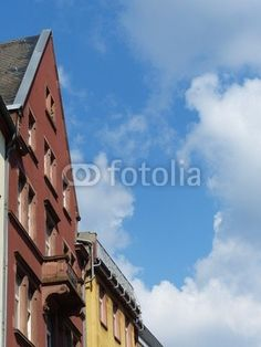 Altbau mit rotbrauner Fassade in der Braubachstraße in Frankfurt am Main in Hessen