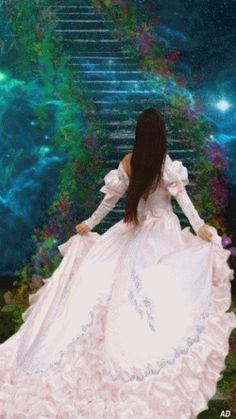 Beautiful dress & Stairsgif...Animated...Gif... femmes animees