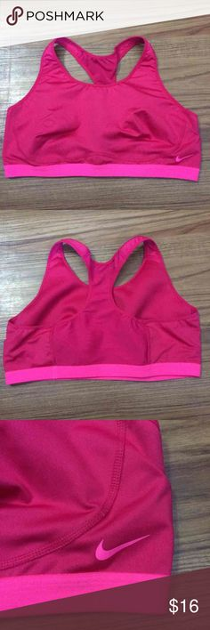 Nike Sports bras Excellent condition barely used Nike Intimates & Sleepwear Bras