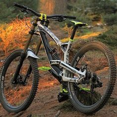 Me gusta, 13 comentarios - Daily Dose of Mountain Bikes! Downhill Bike, Mtb Bike, Bmx Bikes, Road Bikes, Cycling Bikes, Downhill Mountain Bike, Best Mountain Bikes, Mountain Bike Trails, Vtt Dirt