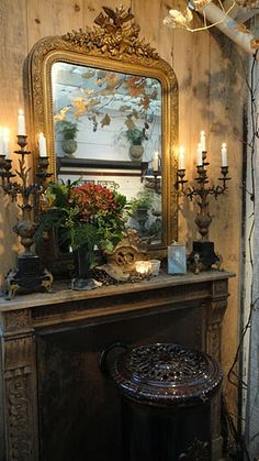 Tuscan fireplace and mantle decor Victorian Decor, Victorian Homes, Victorian Fireplace, Beautiful Interiors, Beautiful Homes, Classic Decor, Fireplace Mantle, Mantle Mirror, Mirror Mirror