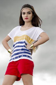 Editorial da camiseta Wonder Tee, inspirada na Mulher-Maravilha, disponível na Vogeek Store | Vogeek: o mundo fashion com um olhar geek.