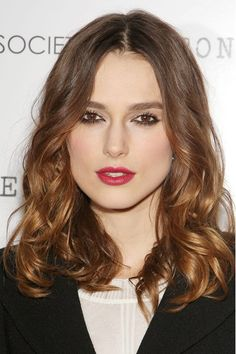 Keira Knightley Hair and Make-Up 2014 – Short & Blonde Styles auburn hair lipstick Best Long Haircuts, Haircuts For Long Hair, Older Women Hairstyles, Teen Hairstyles, Long Hair Cuts, Cool Haircuts, Celebrity Hairstyles, Long Hair Styles, Hairstyles Videos
