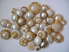 antique pearl buttons | Vintage pearl buttons | Buttons | Pinterest