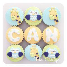 Baby shower cupcakes - Owl and giraffe