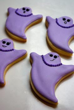Decorated sugar cookies - glamorous ghosts