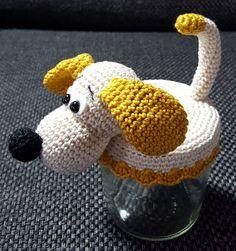 Beginner Crochet Projects, Crochet For Beginners, Crochet Gifts, Crochet Dolls, Crafts To Sell, Fun Crafts, Crochet Jar Covers, Crochet Christmas Decorations, Jar Gifts
