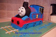 How to make a Thomas the train cake